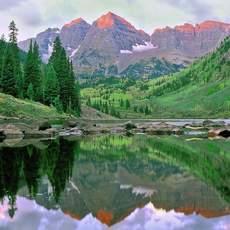 Die Maroon Bells in den Elk Mountains