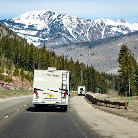 Roadbear Camper auf den Straßen von Colorado