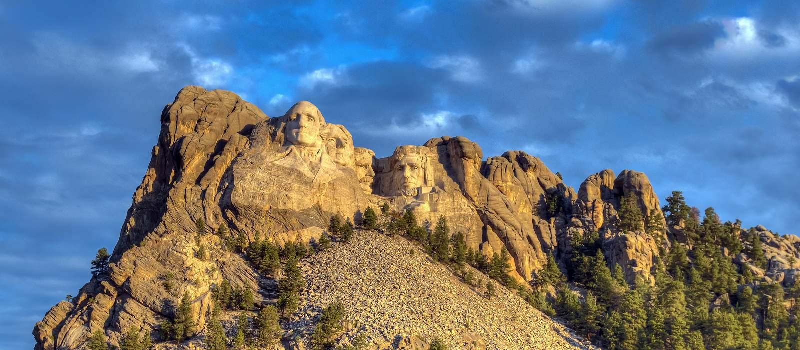 Mount Rushmore von Weitem