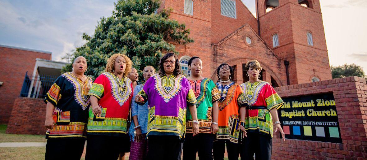 Rutha Harris und die Freedom Singers der Old Zion Baptist Church in Albany