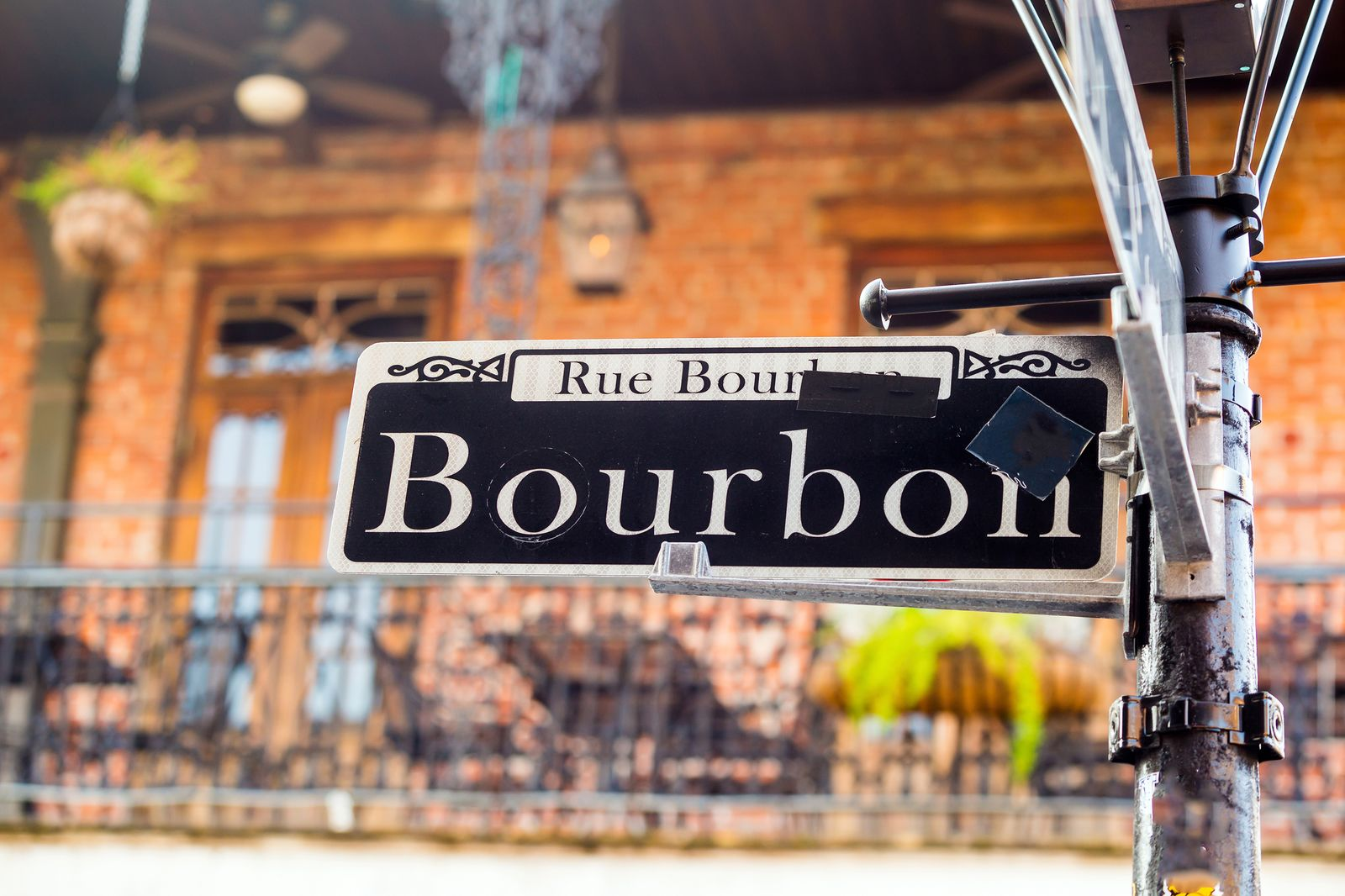 Straßenschild im French Quarter, New Orleans, Louisiana