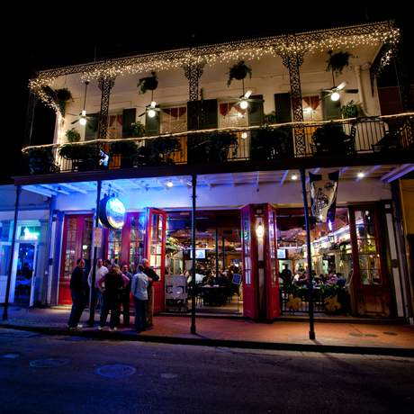 Bourbon Street bei Nacht