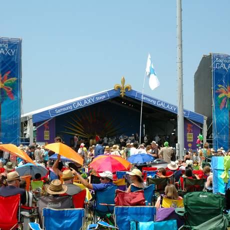 Hauptbühne auf dem Jazz Fest in New Orleans, Luisiana