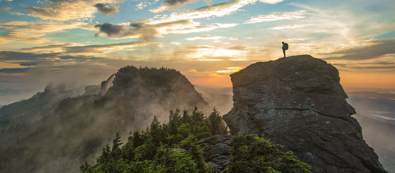Der Grandfather Mountain im Licht des Sonnenaufgangs, North Carolina
