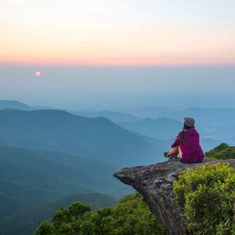 Den Ausblick über die Great Craggy Mountains genießen