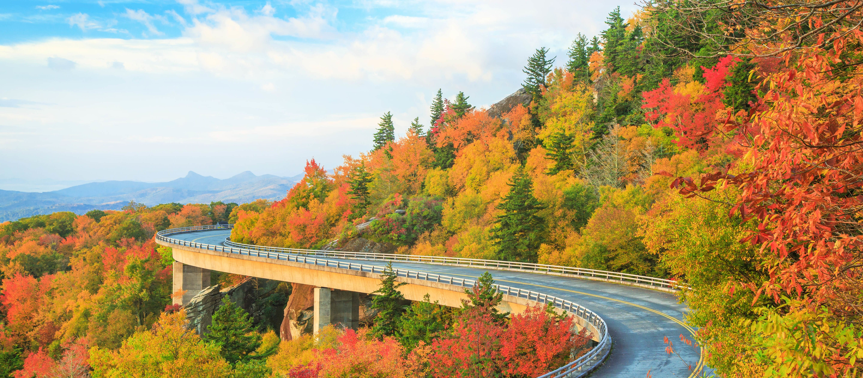 Die malerische Linn Cove Viaduct auf dem Blue Ridge Parkway