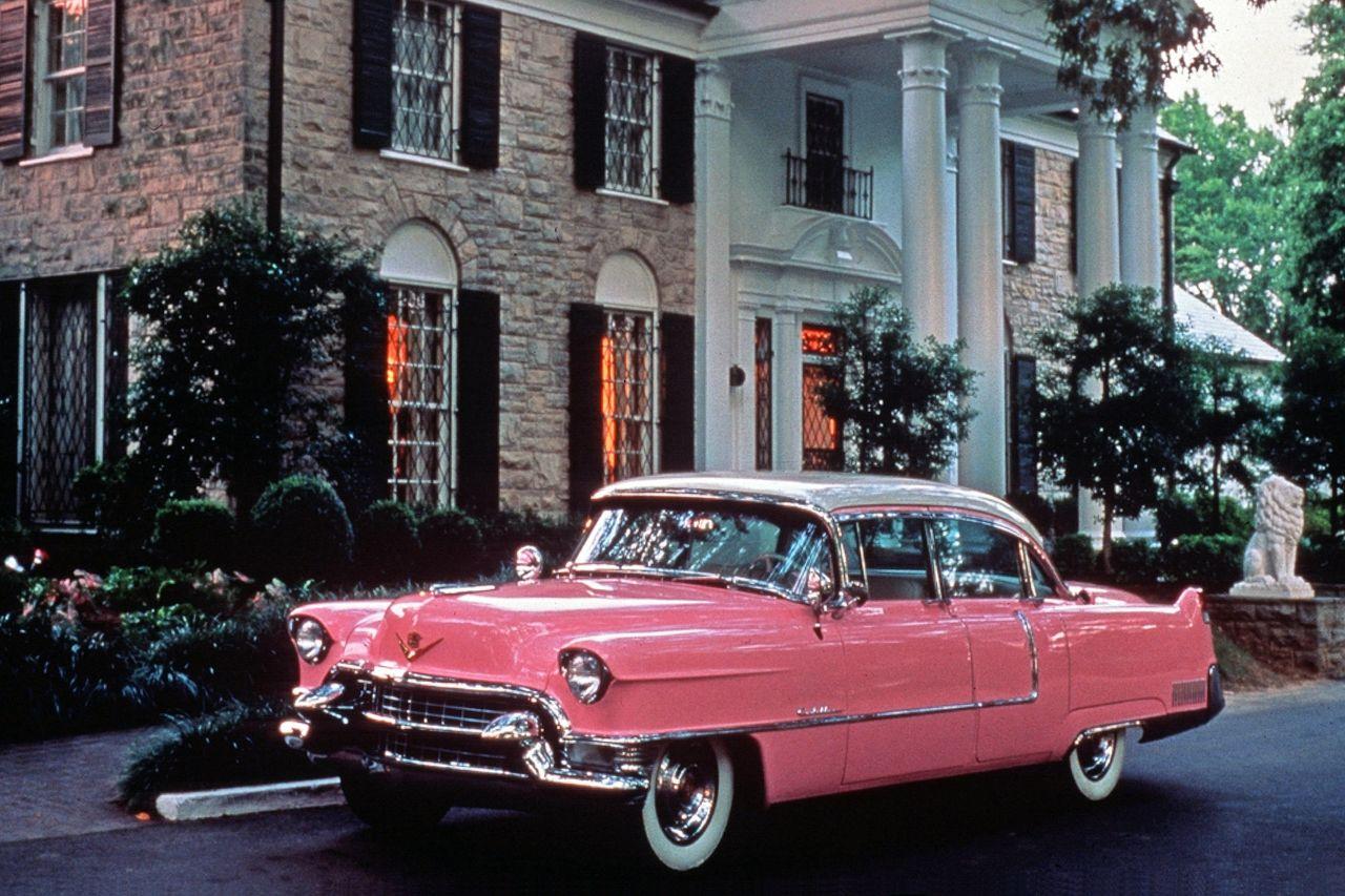 Elvis' 55er-Pink-Cadillac in Graceland