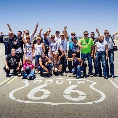 Gruppenfoto auf der Route 66, USA