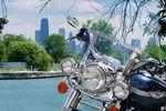 Motorrad vor der Skyline