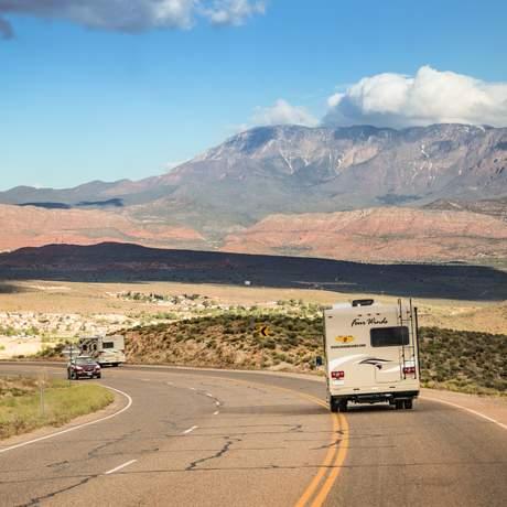 Mit einem Road Bear Camper unterwegs auf dem Highway 15 in Utah