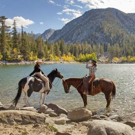 Mit dem Pferd den Sherwin Lakes Trail in Kalifornien erkunden