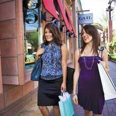 Shoppingtour mit der Freundin in Greater Palm Springs
