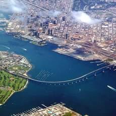 Blick auf die Coronado Bay Bridge