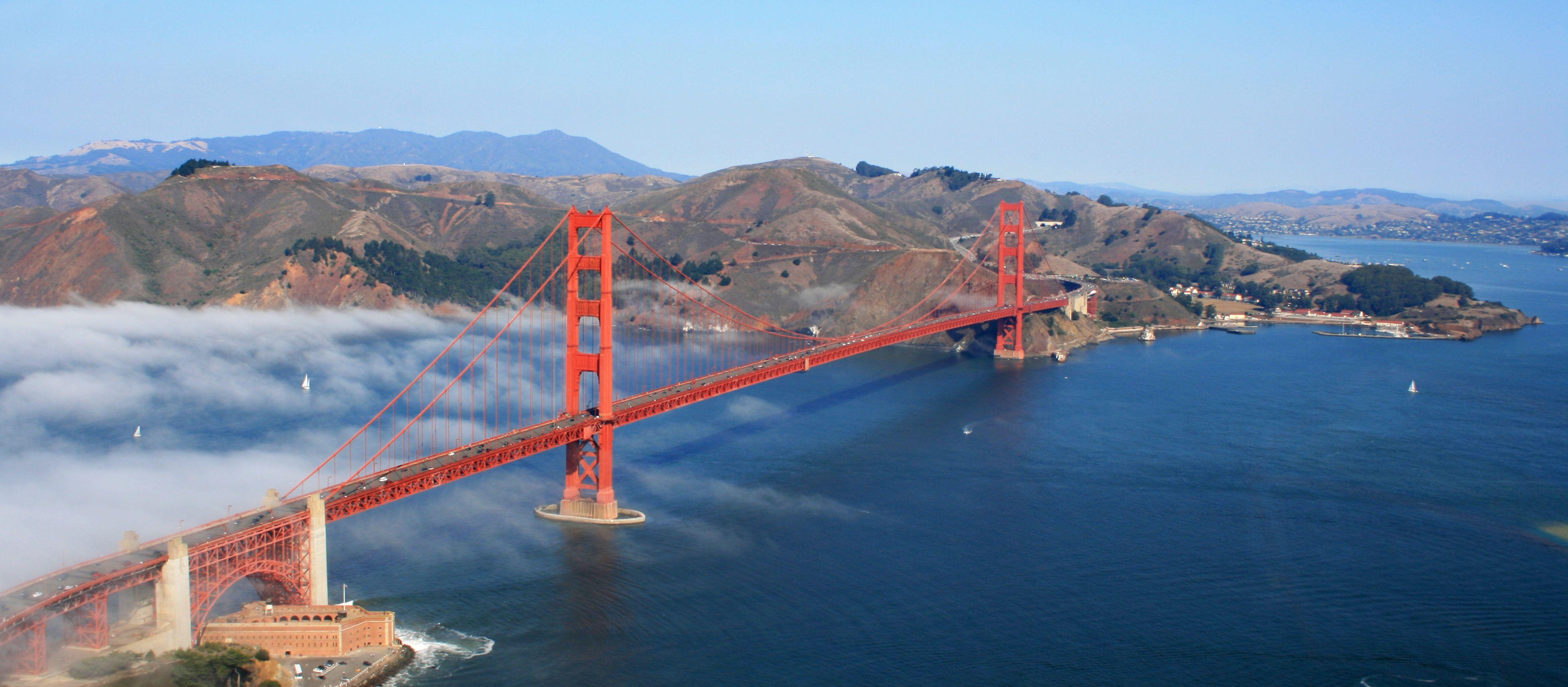 Wolken an der Golden Gate Bridge