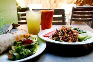 Veganes Essen der ganzen Welt im Herbivore - Kalifornien ausprobieren