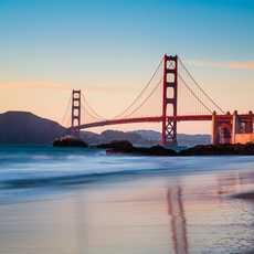Die Golden Gate Bridge in San Francisco bei Sonnenuntergang