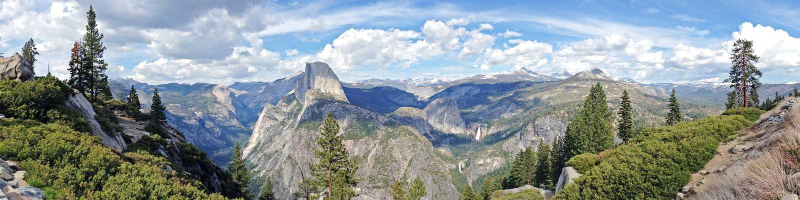 Blick hinab ins Yosemite-Tal