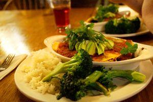 Köstliches veganes Essen im Yosemite Bug Resort genießen