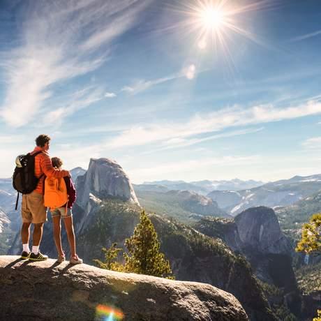 Vater und Tochter im Yosemite Nationalpark