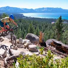 Mountainbiker am Lake Tahoe, Nevada
