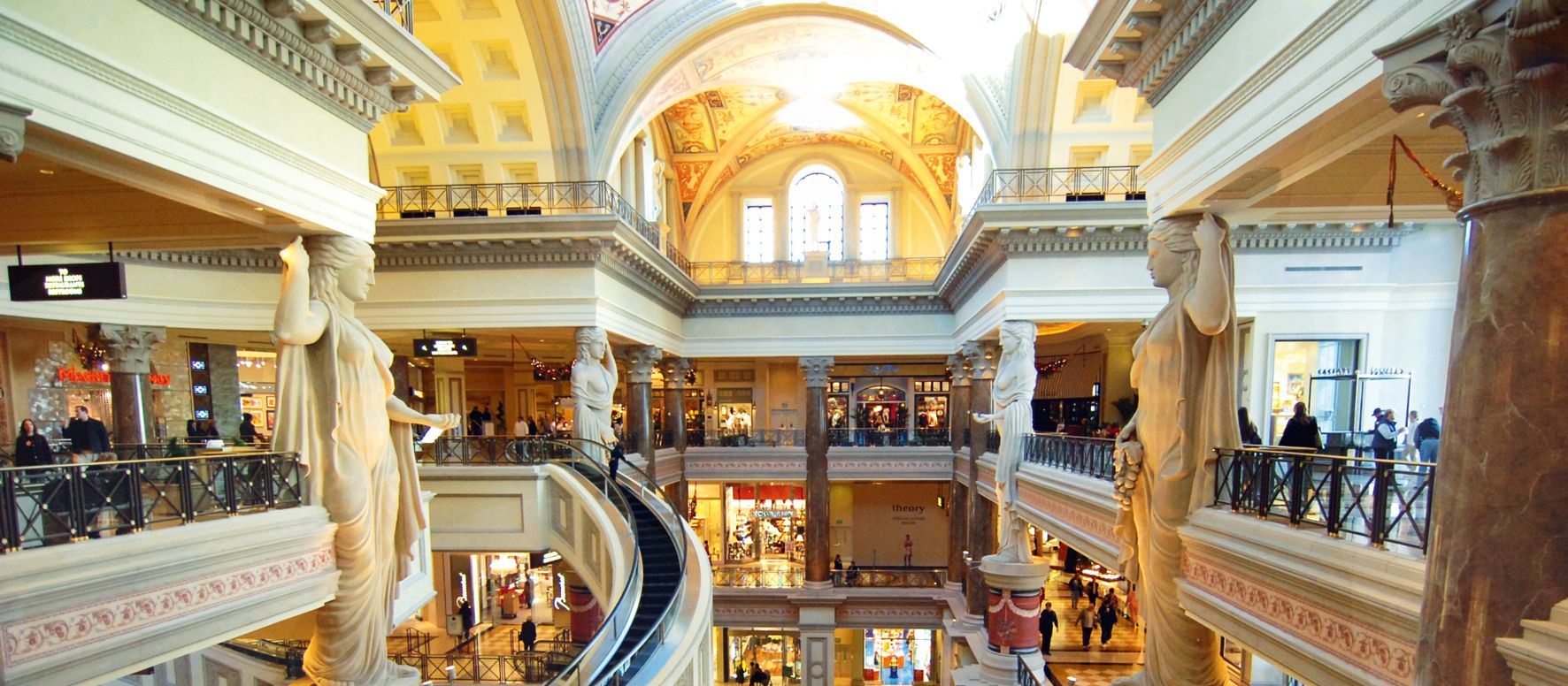 Caesars Forum Shopping. 11/28/05