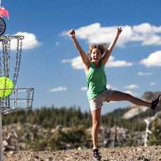 Eingelocht auf dem North Tahoe Lions Club Disc Golf Course in Nevada