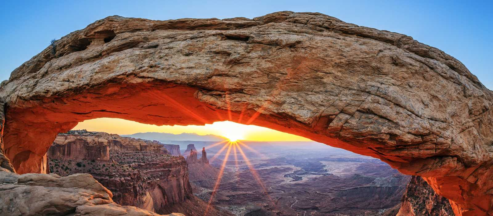 Mesa Arch in Canyonlands National Park, Utah