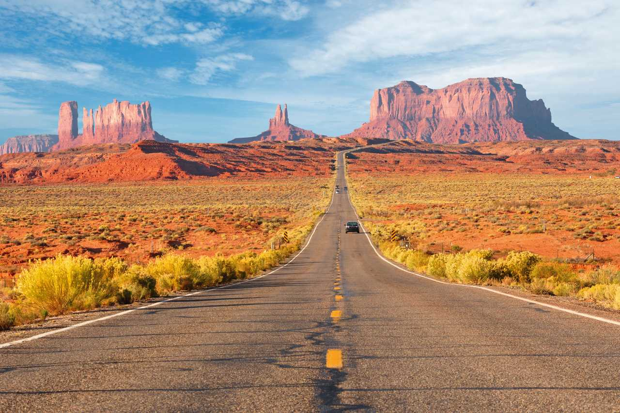 Straße durchs Monument Valley