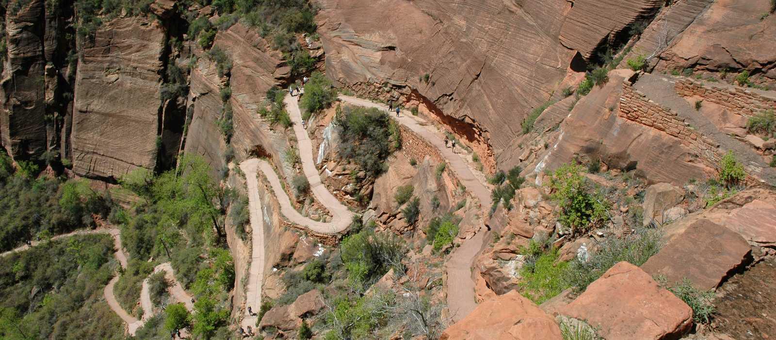 Atemberaubende Wanderwege in den Canyons