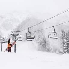 Neuschnee im Mount Norquay Skiegebiet in Banff