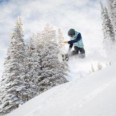 Snowboarder im Sprung, Aspen, Colorado