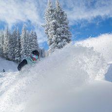 Snowboarder im Schnee, Aspen, Colorado