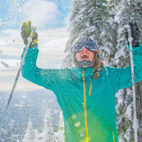 Spaß im frischen Schnee in Big White