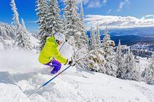 Skifahrer auf dem Silver Star in BC