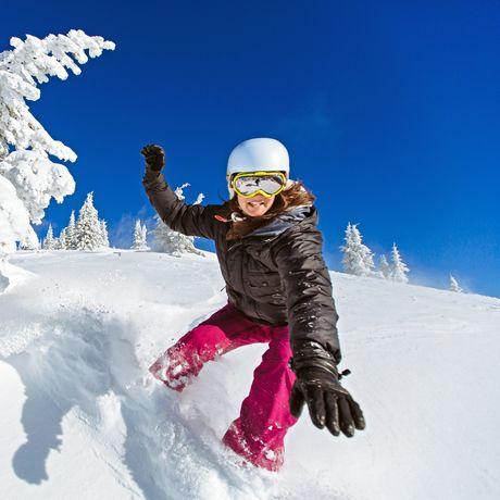 Snowboarder im Powder