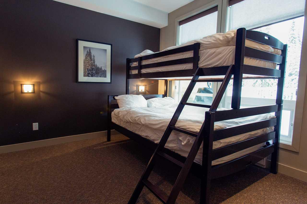 Quelle Etagenbett : Hotel british columbia: firelight lodge canusa