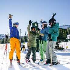 Skifahrer im Heavenly Mountain Resort beim Lake Tahoe