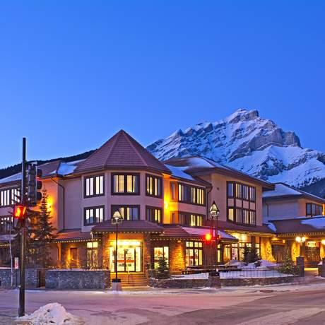 Impression Elk + Avenue Hotel