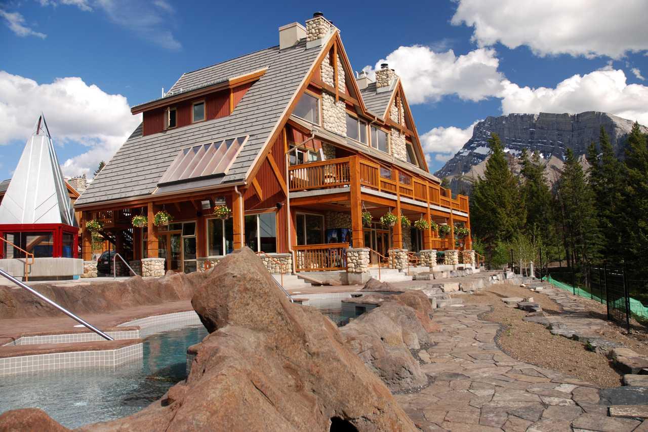 Hidden Ridge Resort, Pool und Terrasse