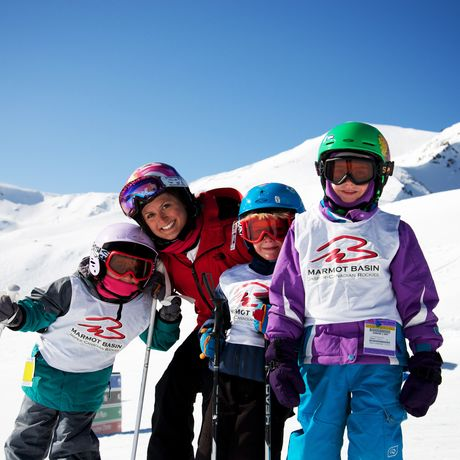 Kinderskifahren im Marmot Basin, Alberta