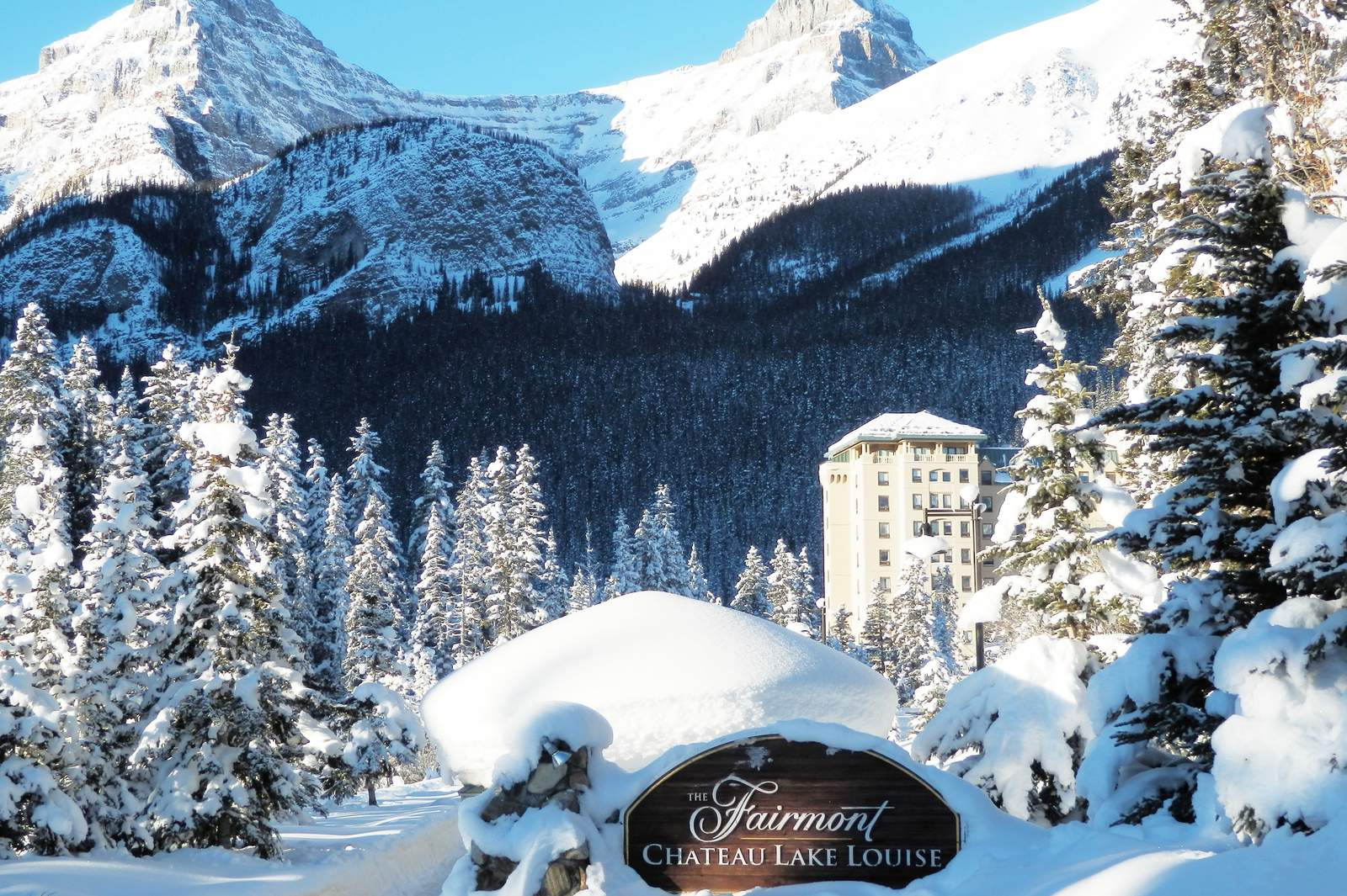 Planning A Visit To Banff And Lake Louise During The Christmas Holiday Season