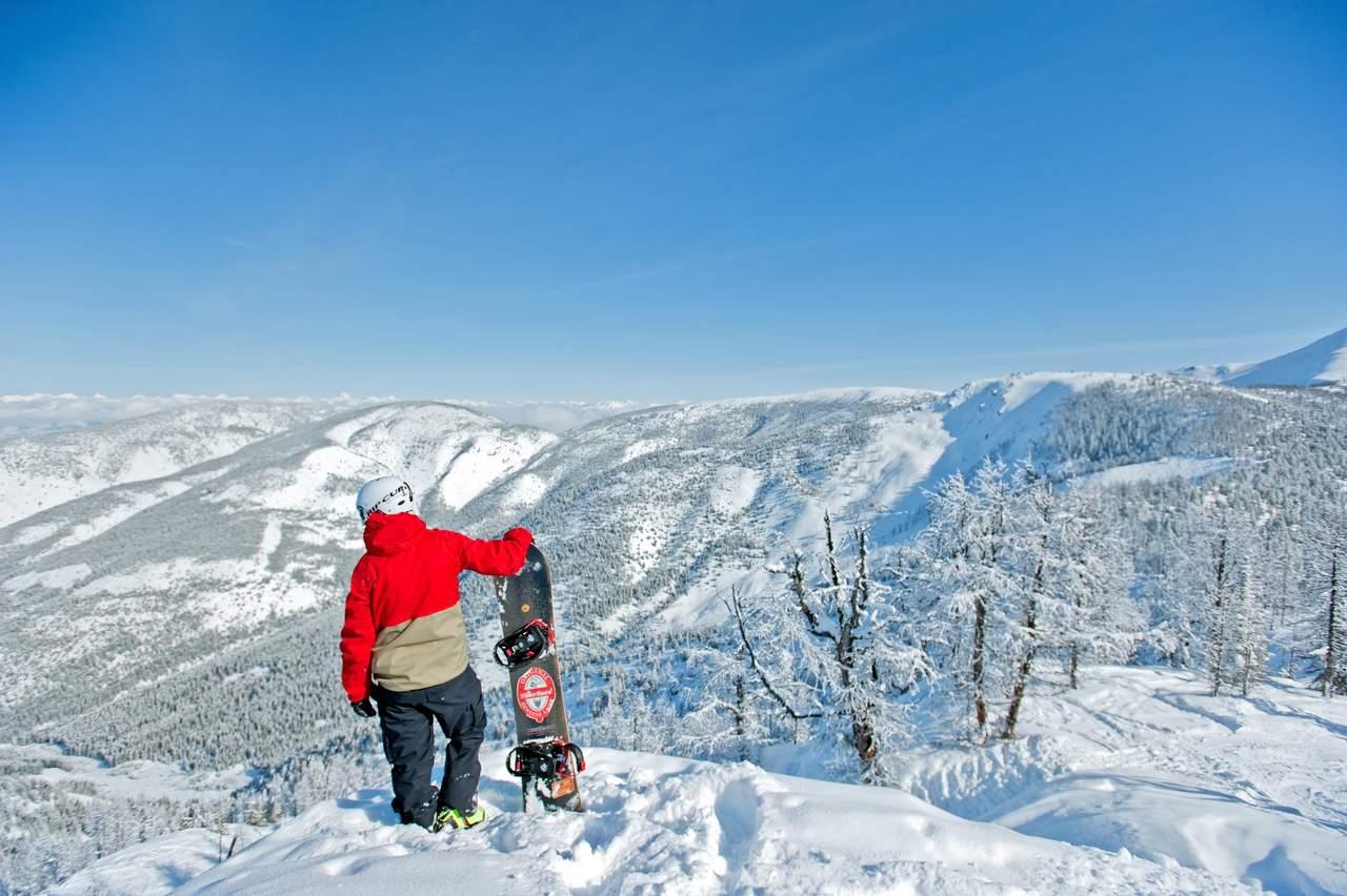 panorama heli ski with Ski Safari Rocky Mountain on Heli Sollen Zaehne Erhalten art9641 264592 additionally Revelstoke together with Sunshine also Panorama further Teton Mountain Lodge Spa.