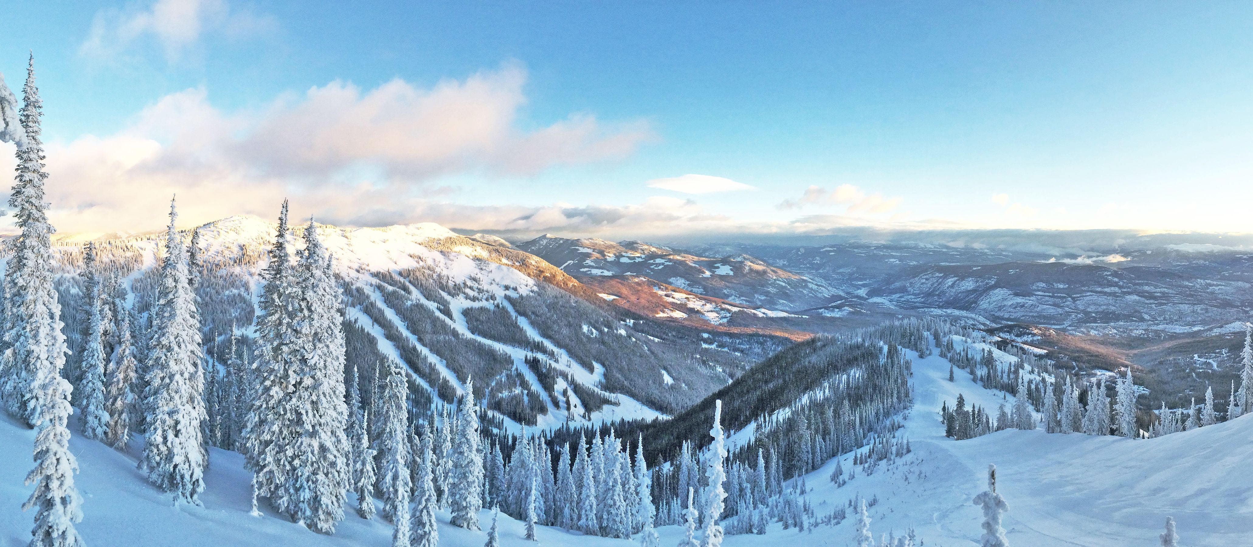 Panorama des Red Mountain, British Columbia