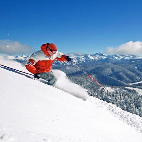 Ski fahren mit Aussicht