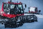 Pistenraupen im Schneegestöber in Whistler