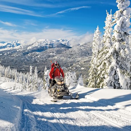 Snowmobiling im Callaghan Valley