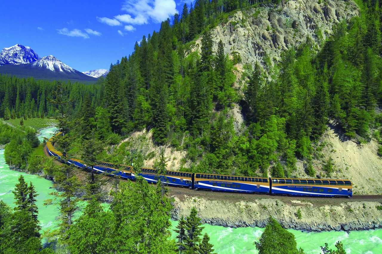 Zug der Rocky Mountaineer Bahngesellschaft
