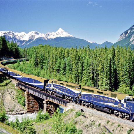 Zug von Rocky Mountaineer Bahngesellschaft in Ottertail