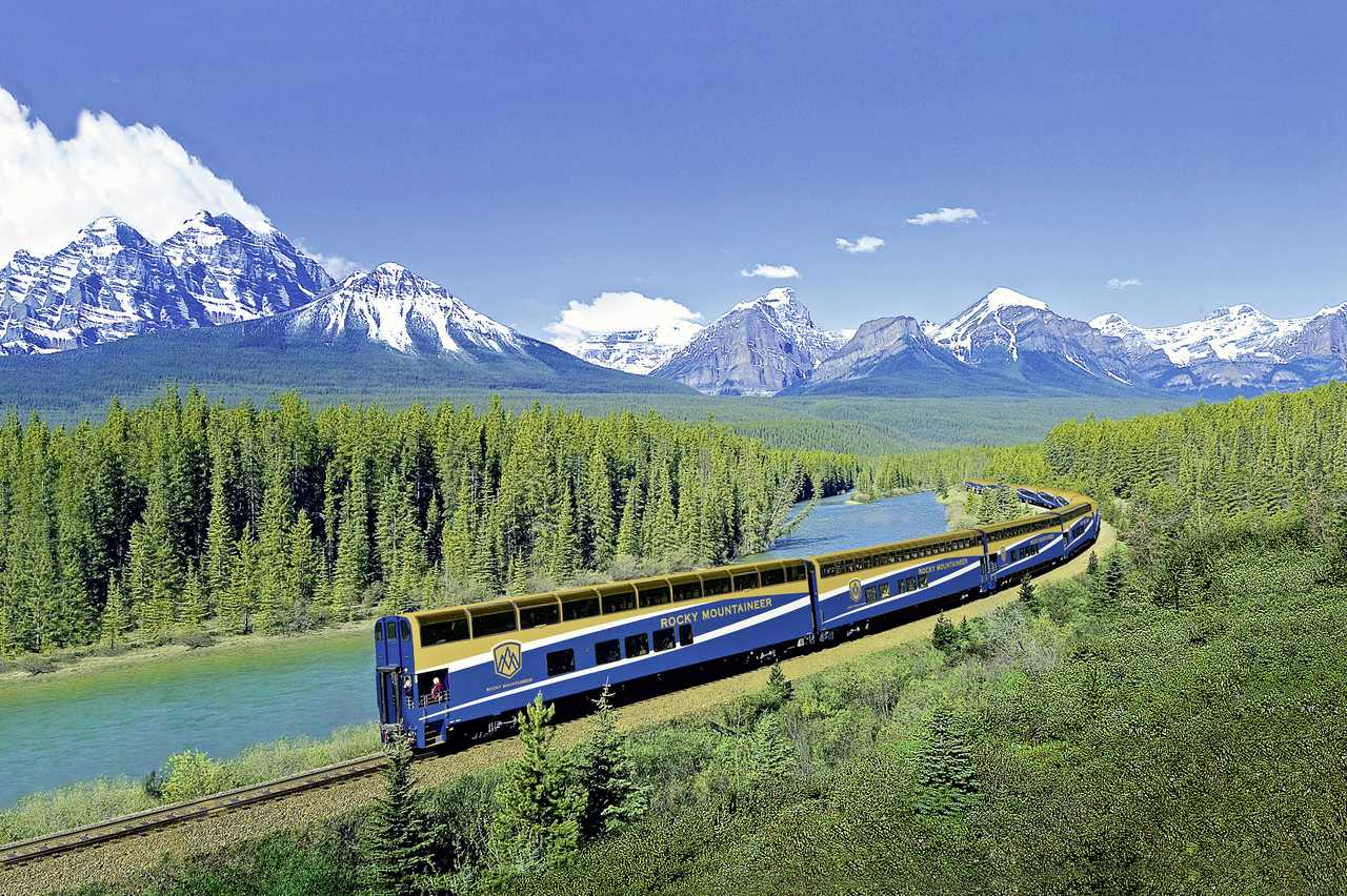 Rocky Mountaineer in der Morants Curve