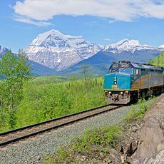 The Canadian vor dem Mount Robson
